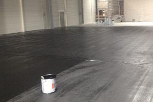 application de peinture pour sol industriel