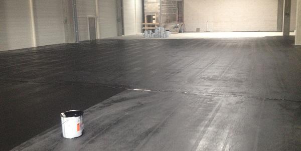 pose de peinture pour sol industriel